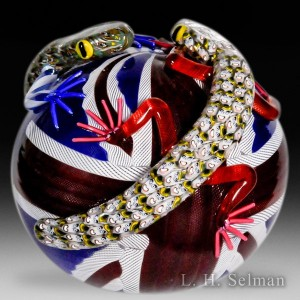 all-you-need-to-know-about-glass-paperweights